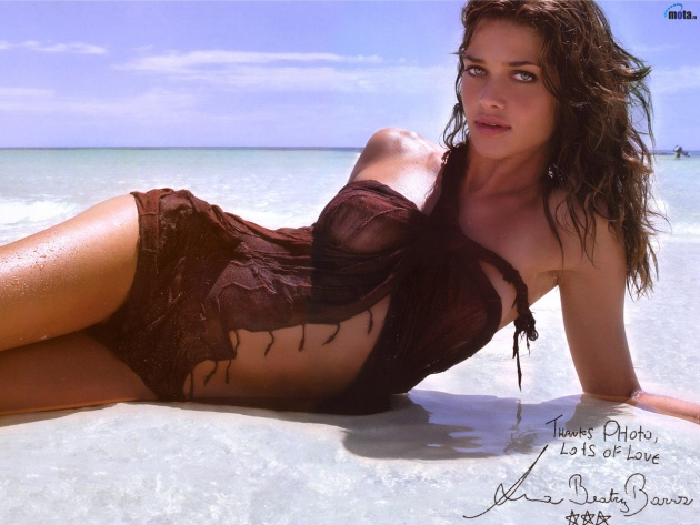 Wallpaper Ana Beatriz Barros in the ocean