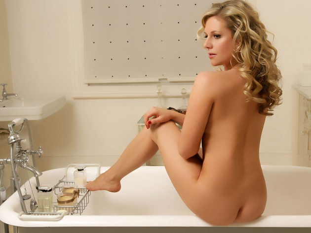 abi-titmuss-nude-photos-hottest-man-on-earth-penis