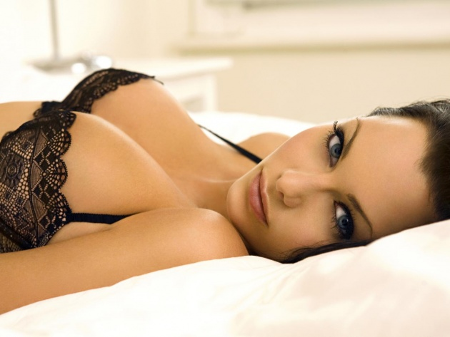 Wallpaper Jessica-Jane Clement in sexy lingerie