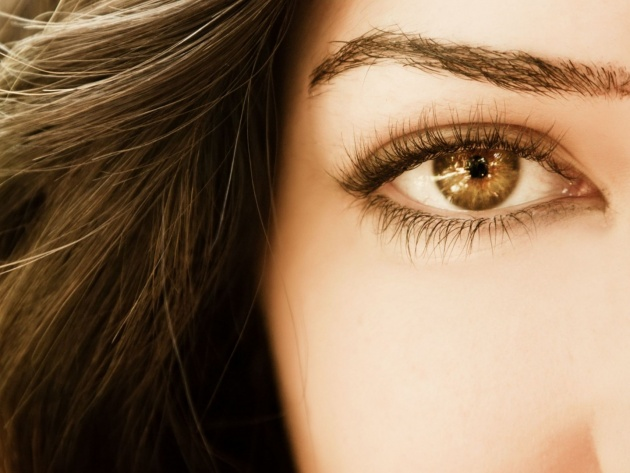 Wallpaper Brunette with beautiful eyes