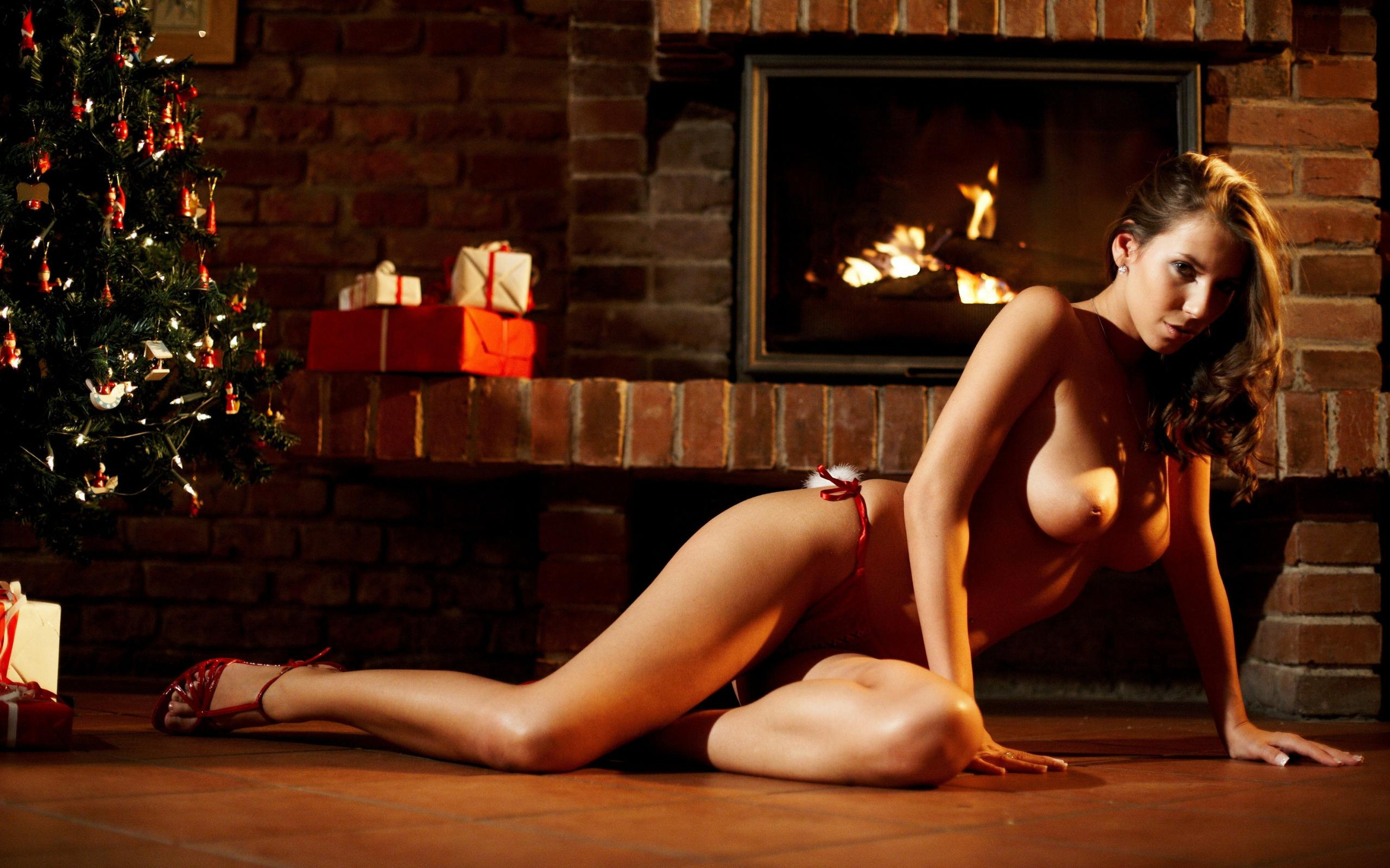 erotic-christmas-female-hypnosis-big-tit-nude