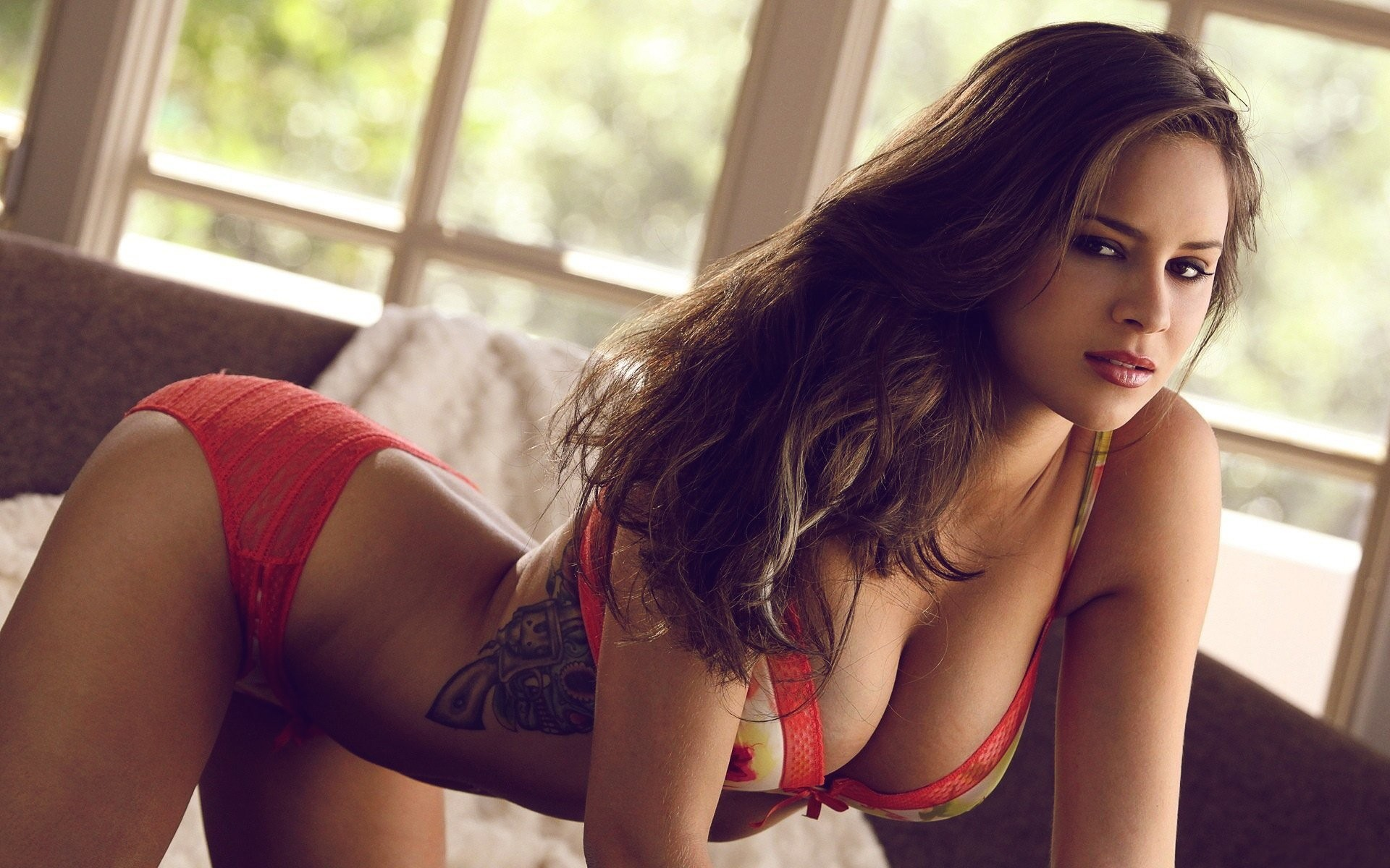 Sexiest babes on the web