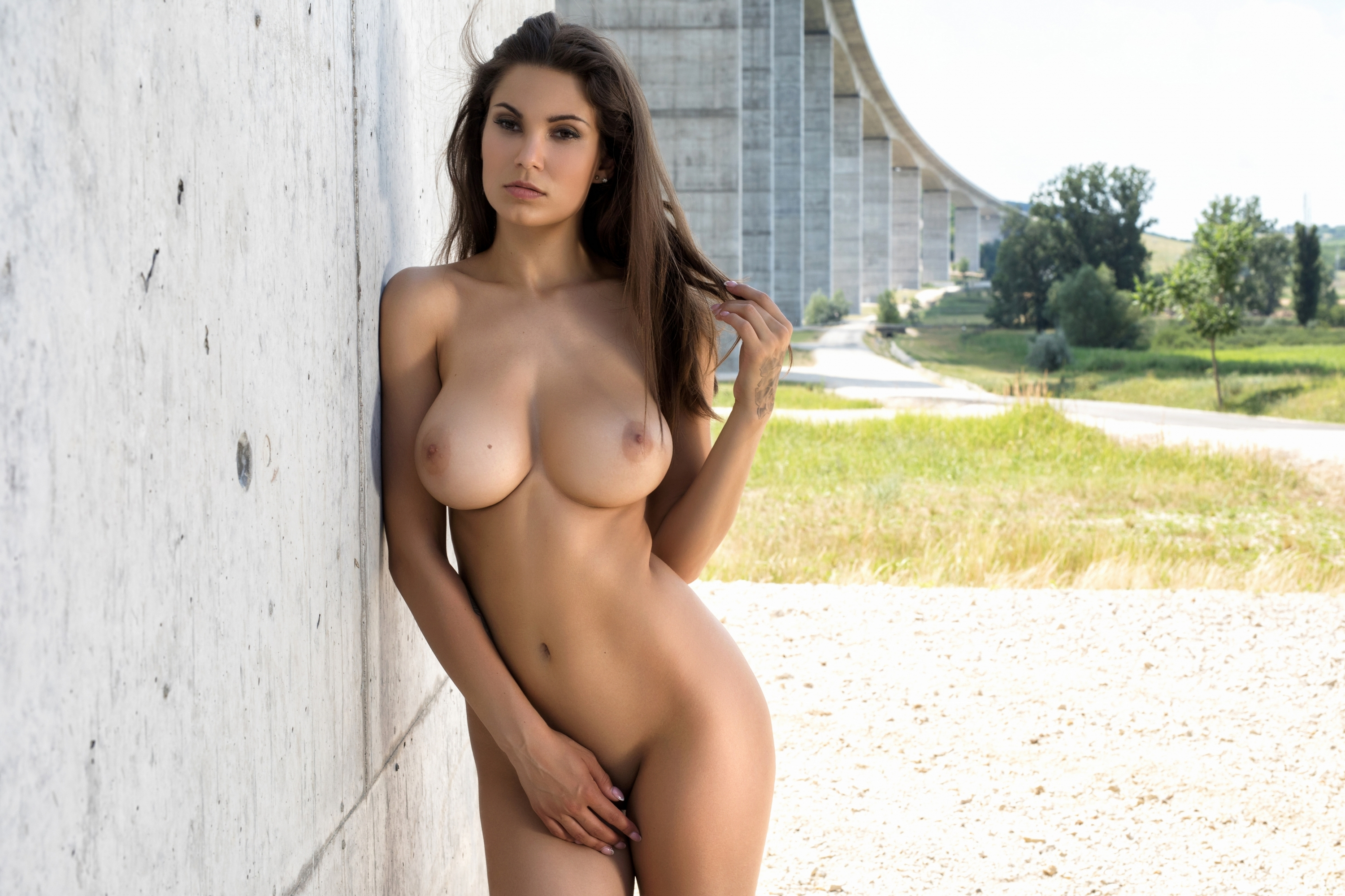 italian-girls-with-big-tits